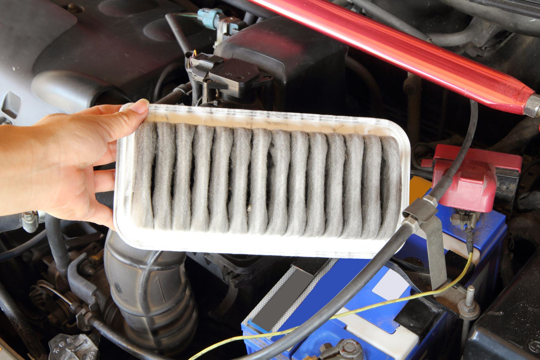 How a Dirty Air Filter Affects Performance - Convoy Auto Repair