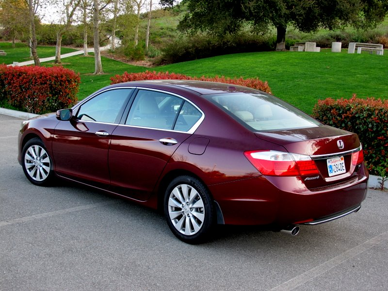 10 Safest Cars for 2014 - Honda Accord