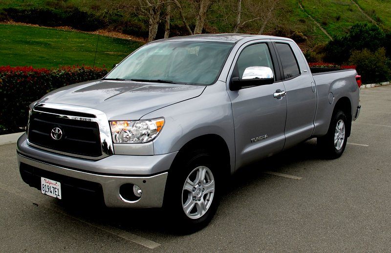 10 Safest Cars of 2014 - Toyota Tundra