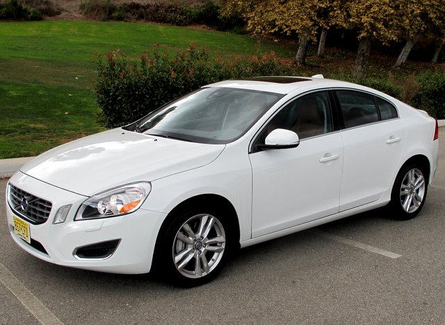 10 Safest Cars of 2014 - Volvo S60